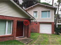 居外网在售阿根廷4卧3卫的房产USD 650,000