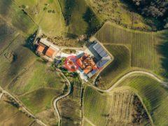 居外网在售意大利皮亚内洛瓦尔蒂多内6卧6卫的房产总占地120平方米
