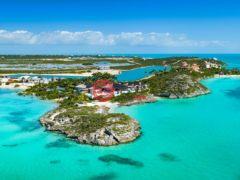 居外网在售特克斯與凱科斯群島7卧12卫的房产总占地18494平方米USD 22,000,000