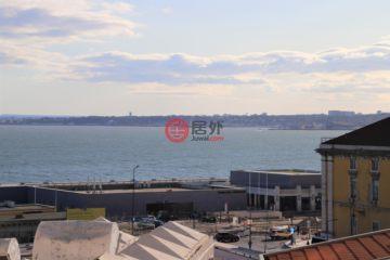 居外网在售葡萄牙3卧1卫最近整修过的房产总占地95平方米EUR 545,000