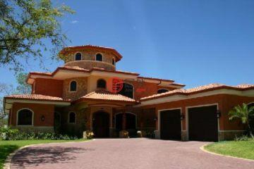 居外网在售哥斯达黎加5卧8卫原装保留的房产总占地1300平方米USD 1,200,000