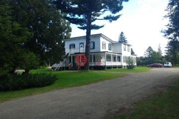 加拿大房产房价_魁北克房产房价_Prévost房产房价_居外网在售加拿大Prévost总占地4838平方米17卧4卫的商业地产