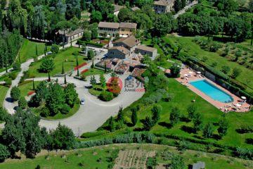 居外网在售意大利CortonaEUR 12,000,000总占地57000平方米的商业地产
