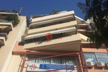居外网在售希腊3卧2卫原装保留的房产总占地360平方米EUR 300,000
