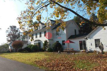 居外网在售美国7卧6卫局部整修过的房产总占地5平方米USD 1,200,000