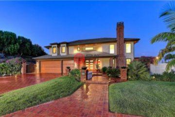 居外网在售美国5卧4卫最近整修过的房产总占地1416平方米USD 2,725,000