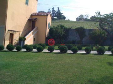 居外网在售意大利40卧10卫曾经整修过的房产总占地452平方米EUR 1,500,000