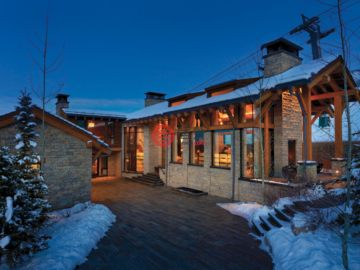 居外网在售美国6卧9卫特别设计建筑的房产总占地2372平方米USD 16,900,000